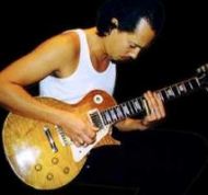 Gibson-Les-Paul-Standard-2