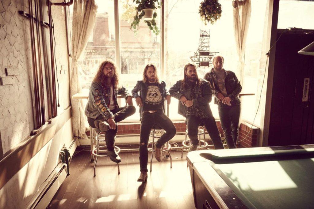 Monster Truck supportem Deep Purple